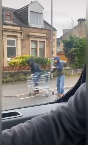 trolley guys 2.PNG